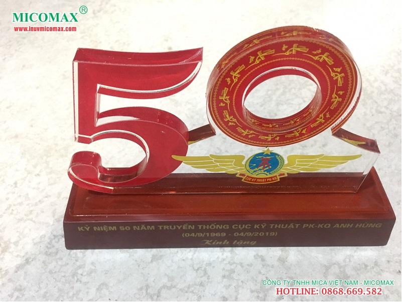 kỷ niệm chương 50 năm