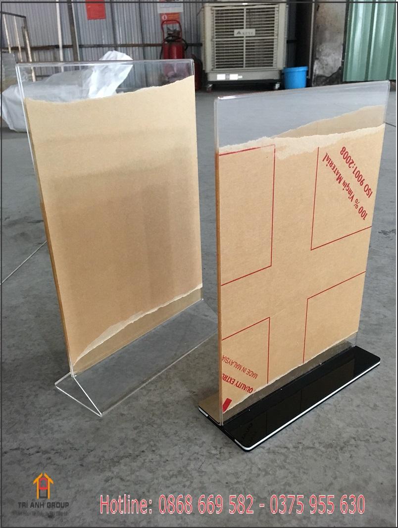 bảng mica để bàn